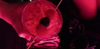 Koktejl ve Skybaru Andels hotelu