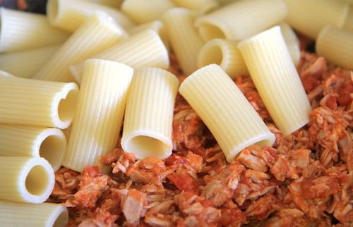 Rigatoni a omáčka na těstoviny