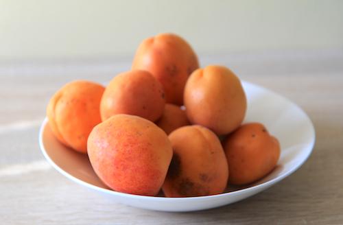 meruňky na ovocný koláč