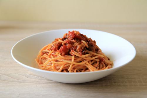 Špagety s lilkovou omáčkou